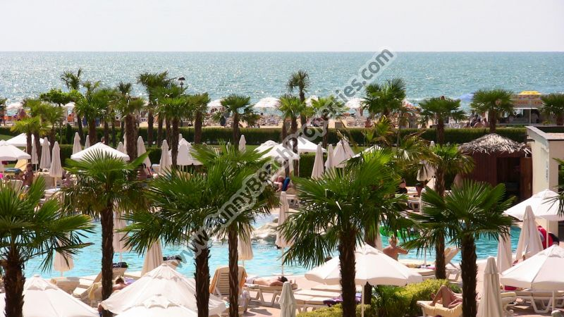 Beachfront sea view fully furnished 1-bedroom apartment for sale in breath-taking 4**** Majestic right on the beach of Sunny beach.