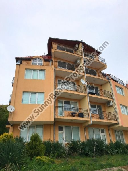 2 furnished studio apartments for sale at the price of 1 in residential building for sale 600m from beach, Sveti Vlas, Bulgaria