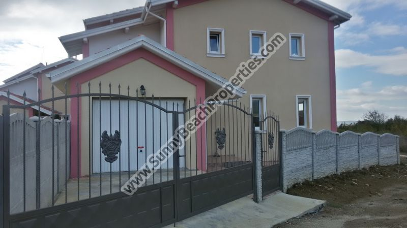 Detached 4-bedroom/2-bathroom house with private garage and BBQ for sale in Kosharitsa village, 6