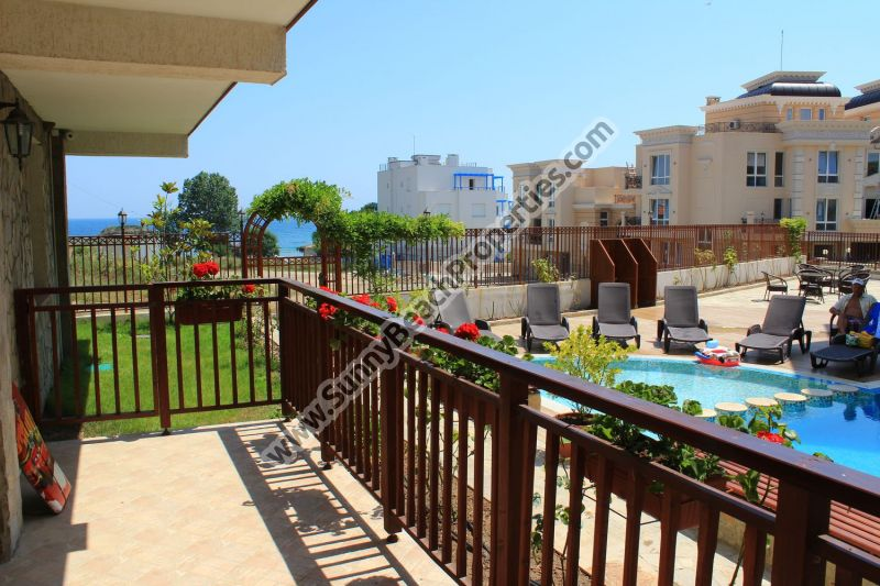 Sea and pool view studio apartment with private garden for sale in Mojito Club 70 m. from the beach in Lozenets, Bulgaria