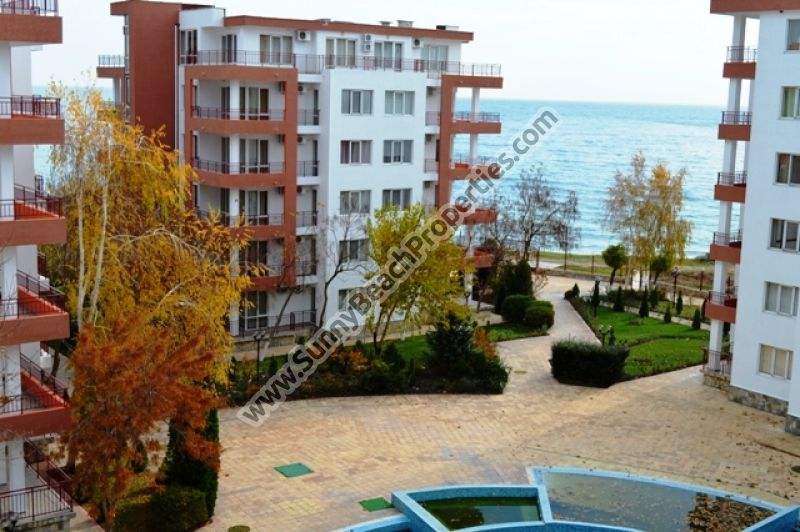 Sea view furnished 1-bedroom apartment for sale in beachfront Riviera Fort Beach 20m. from the beach in Ravda, Bulgaria