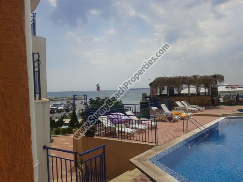 Sea and pool view fuly furnished 2-bedroom  apartment in complex Vega Village on the beach in St. Vlas