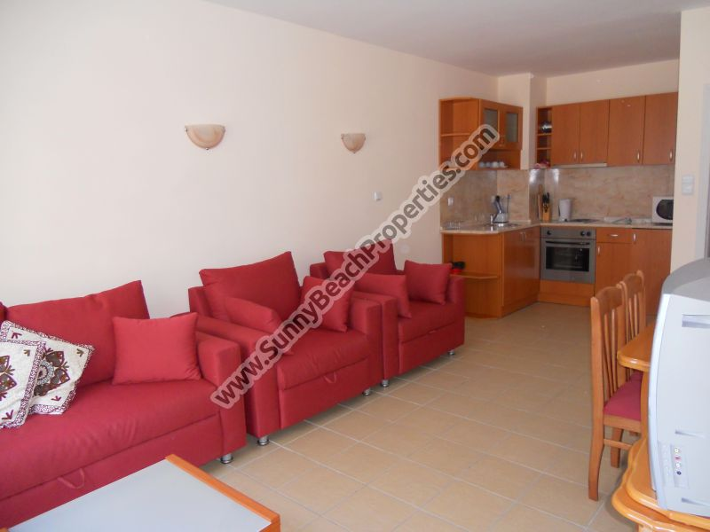Pool view fully furnished 1-bedroom apartment for sale in complex Blue Marine 70m from beach Sunny beach, Bulgaria