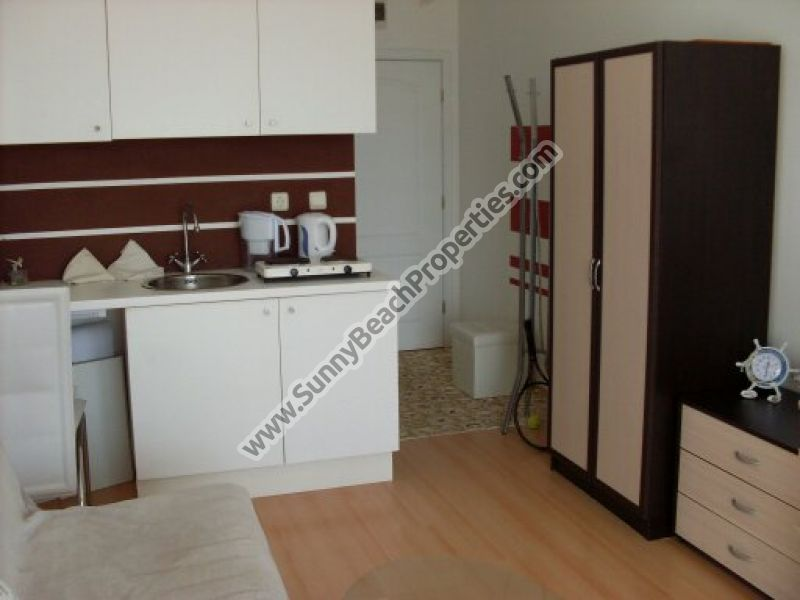 380€/m2! Furnished studio apartment for sale in Sunny day 5 apart-complex, in the suburbs of Sunny beach, 3 km from the beach.