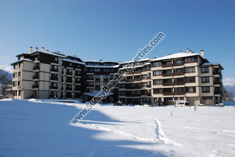 Cheap resale furnished 1-bedroom apartment for sale in 4**** Alpin lodge 600m. from the ski lift in Bansko, Bulgaria
