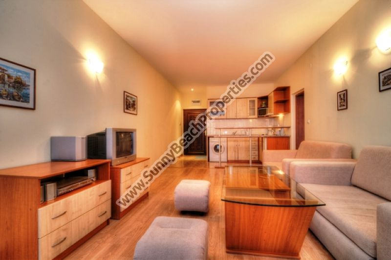 Pool view spacious 1-bedroom/1.5-bathroom apartment for salet in Semiramida Garden 600m from beach & downtown Sunny beach