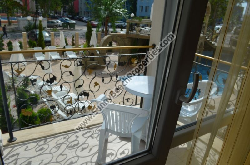 Pool  view fully furnished 1-bedroom de lux in absolutely tranquil area in the central part of Sunny beach.
