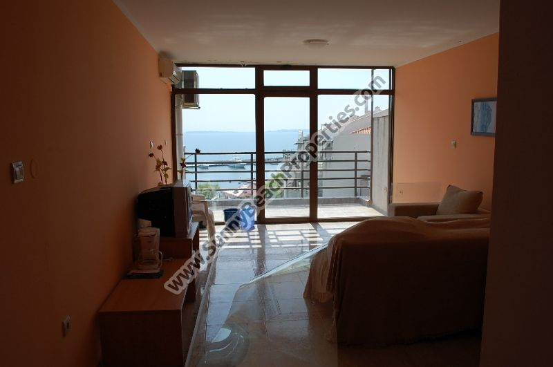 Beachfront sea view furnished 1-bedroom apartment for sale in Diamond 20m from beach in Sveti Vlas, Bulgaria