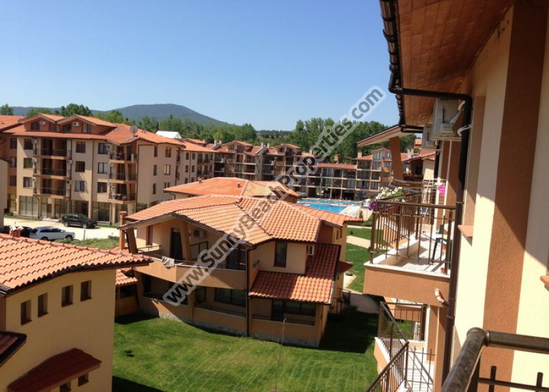 2-bedroom/2bathroom villa townhouse in new complex 100m. from the beach in Tsarevo.