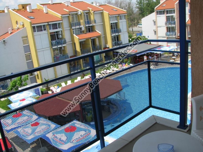 Pool view 2-bedroom apartment in absolute tranquility in Elite 1  just 150 m. from the beach in Sunny beach.