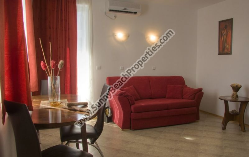Self-catering 2-bedroom apartments 300 m. from beach, 1200 m. from downtown Sunny beach.