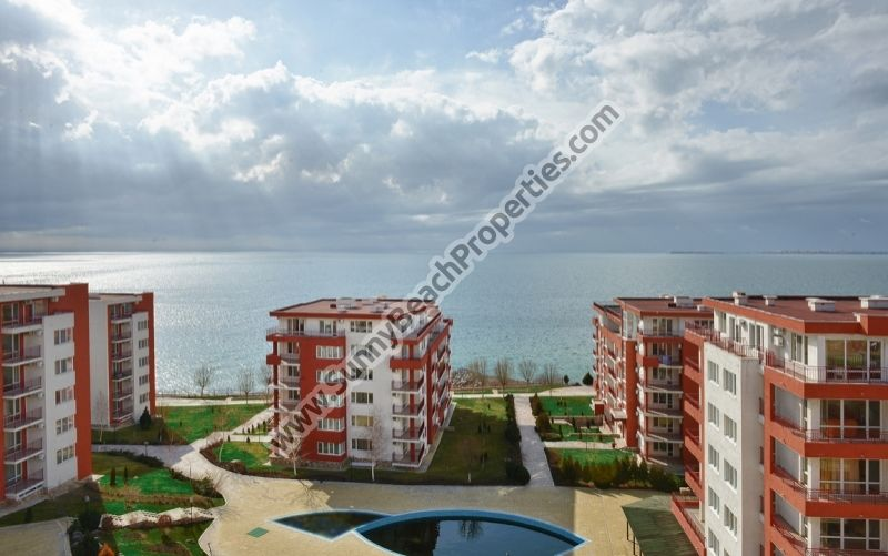 1-bedroom apartments for rent in beachfront Marina View 100m. from beach in Elenite resort, Bulgaria