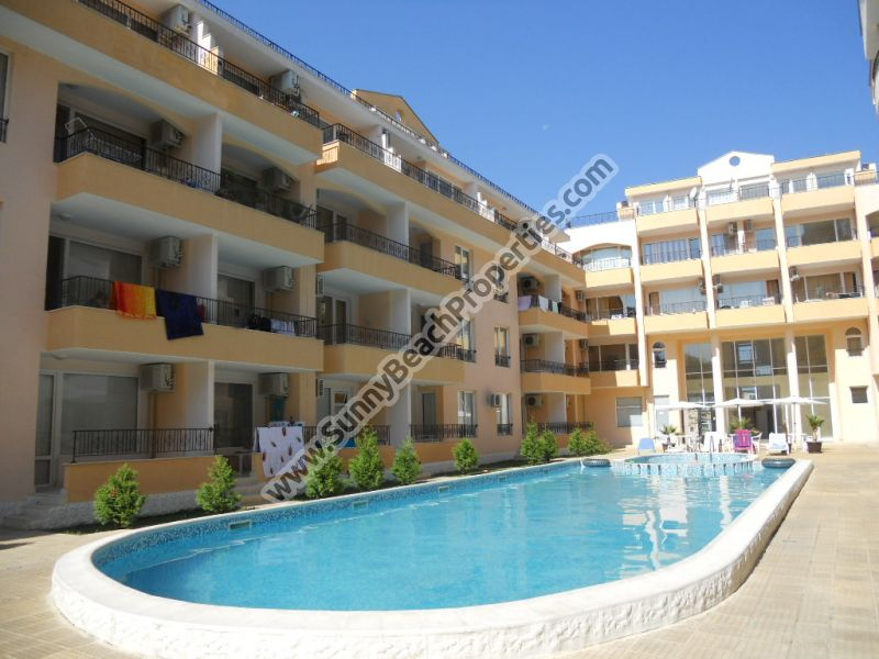Furnished studio apartment for sale in Sun Light in tranquil area in the central part of Sunny beach 500 m. from the beach.