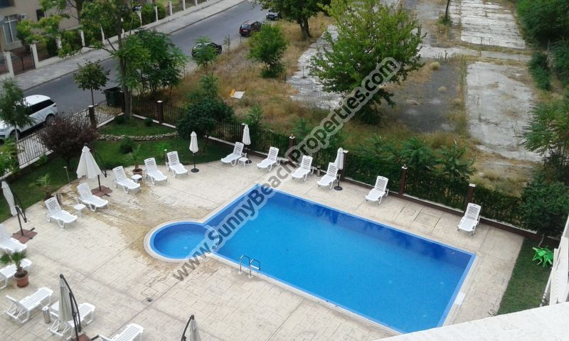 Pool view studio apartment for sale in Villa Aria in absolute tranquility in the central part of Sunny beach, Bulgaria.