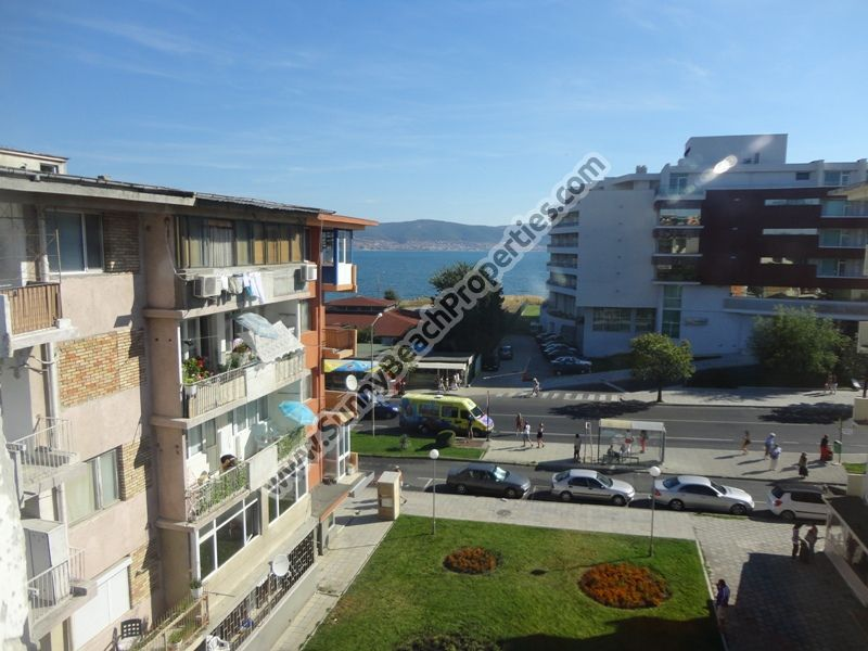 Sea view studio apartment for sale in residential building in the center of Nessebar, Bulgaria