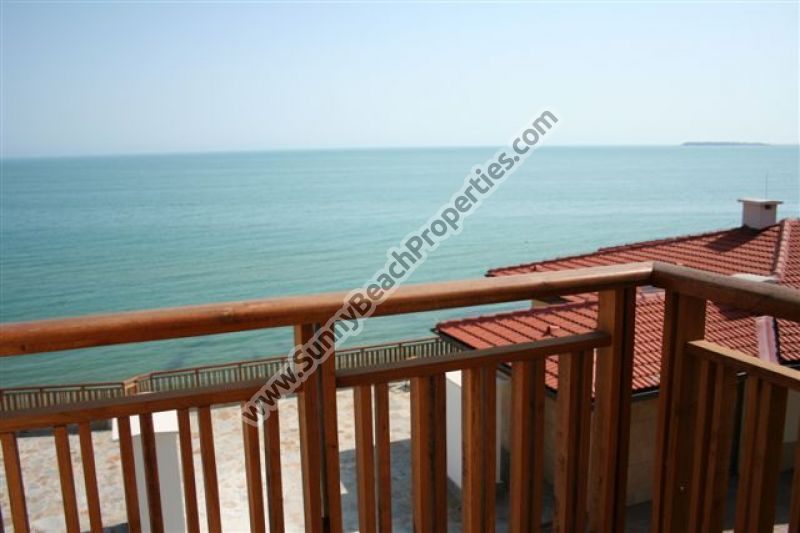 Sea view studio for sale in 5***** Garden of Eden right on the beach in St Vlas