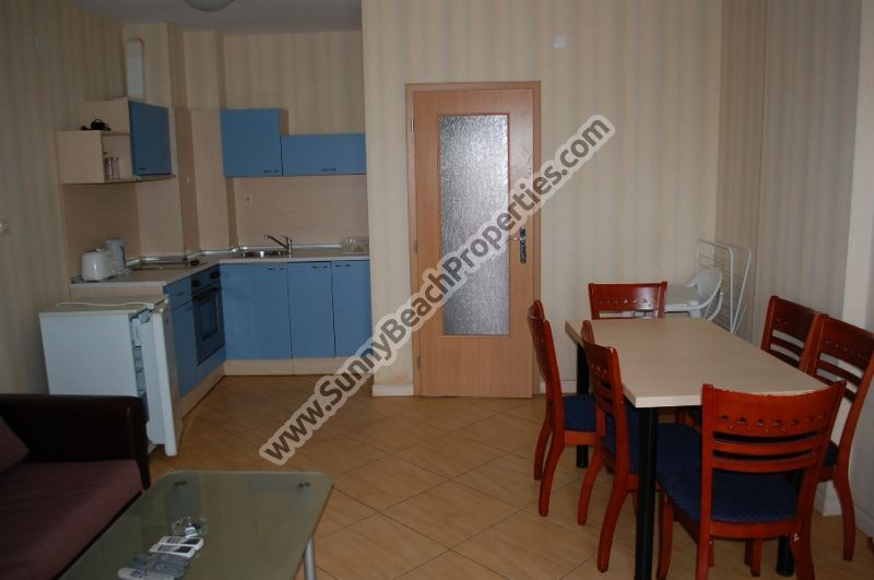 Spacious furnished 2-bedroom apartment for sale in Golden Dreams 250m from beach in Sunny beach, next to supermarket Perla