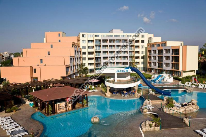 Pool view furnished studio apartment for sale in Trakia Plaza 200m from beach in Sunny beach, next to supermarket Perla