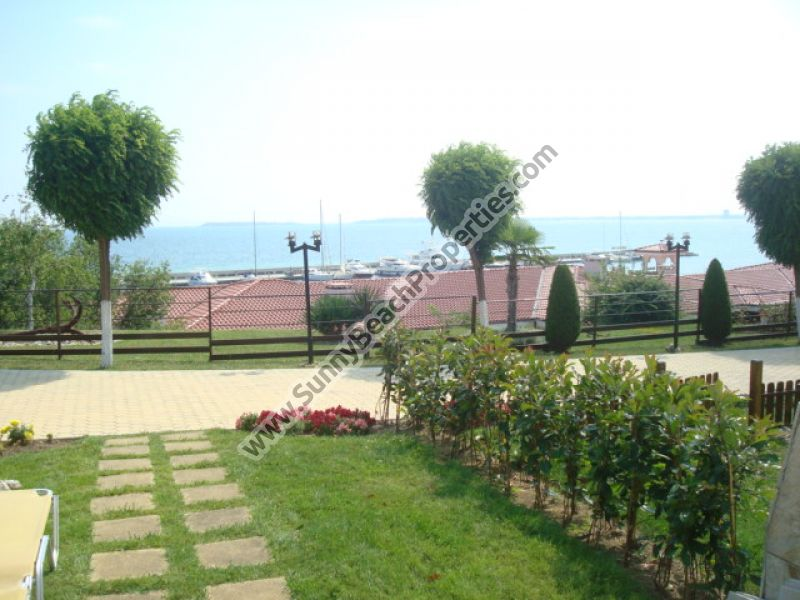 Beachfront sea view furnished 1-bedroom apartment  for sale in Diamond 20 m. from the beach in St. Vlas.