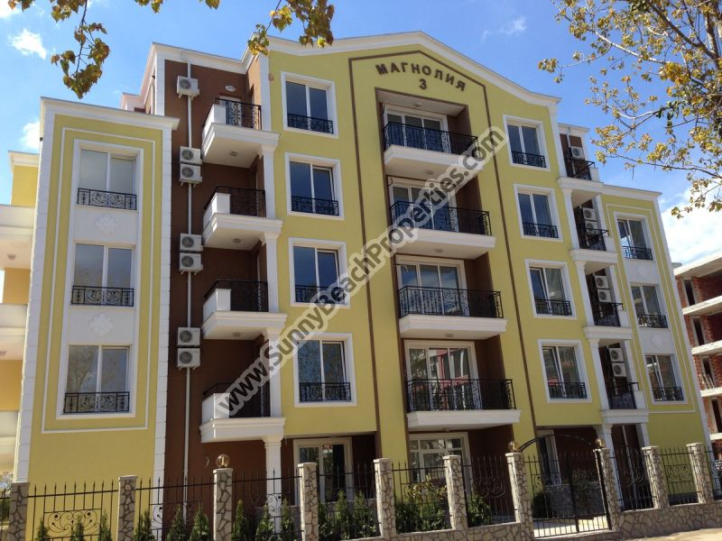 Studio apartments in Magnolia Residence 3, 400m. from the beach in Sunny beach resort