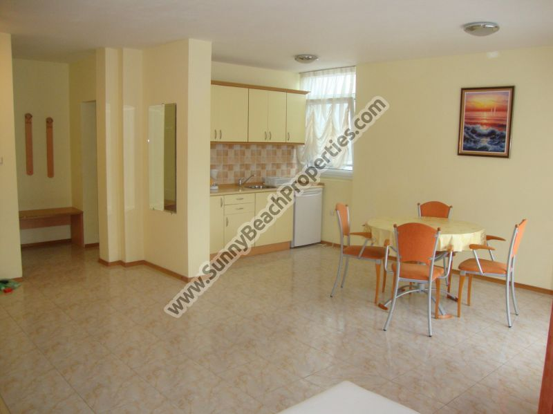 Garden view 1-bedroom apartment for rent, in absolute tranquility 150 m. from the beach in Sunny beach