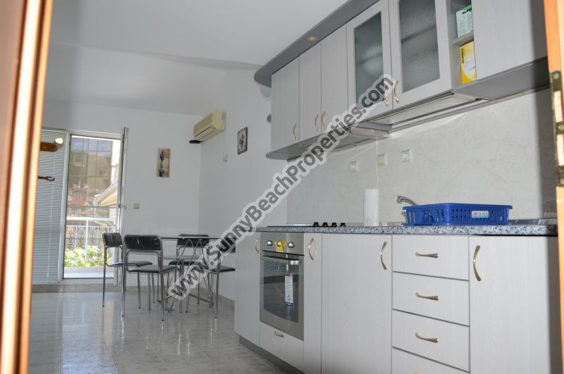 Furnished 2-bedroom apartment for sale in Informat 200 m. from downtown St Vlas and 150m from the beach.