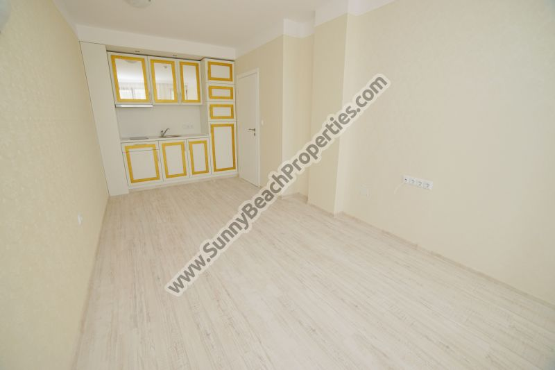 Mountain view luxury 1-bedroom apartment for sale in luxury Harmony Suites 10 Saint Vlas, Bulgaria