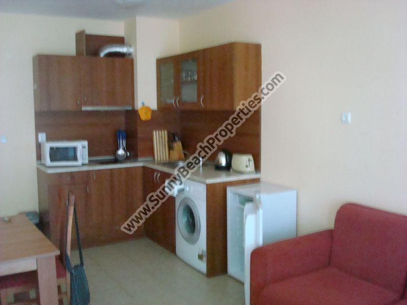 Sea and pool view self-catering 1-bedroom apartment for rent in 4**** Karolina 70m. from the beach in Sunny beach, Bulgaria