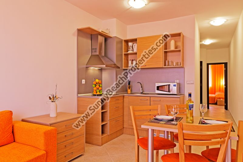 Cheap 1-bedroom apartment for sale in Sunset Kosharitsa III, 7 km from the beach in Sunny Beach, Bulgaria