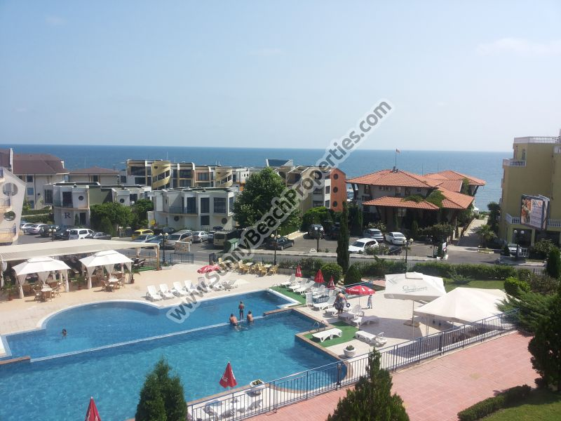 Sea and pool view fully furnished 2-bedroom/1.5-bathroom apartment in complex Vega Village 2 80 m. from beach in St. Vlas, Bulgaria