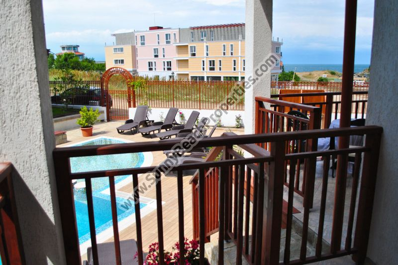 Beachfront pool and partial sea view studio for sale in Mojito Club only 70 m. from the beach in Lozenets, Bulgaria