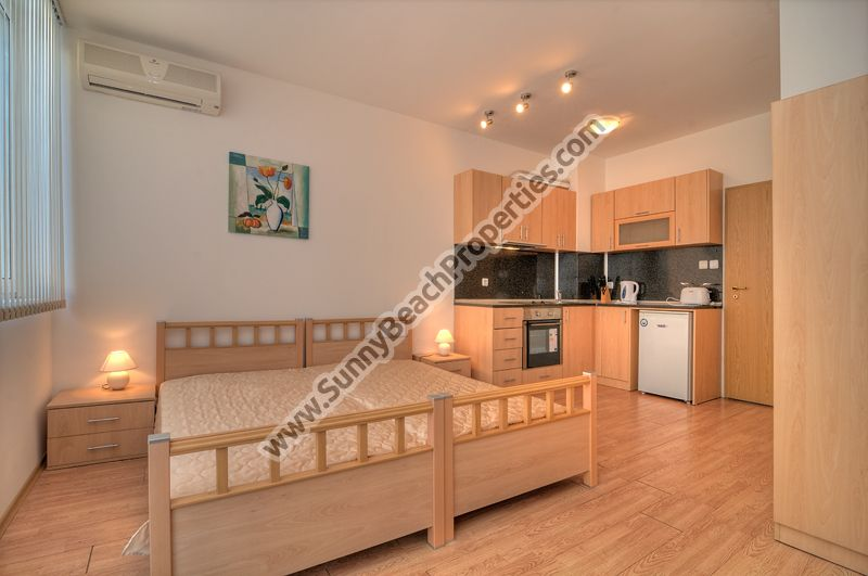 Sea view furnished studio apartment for rent in beachfront complex  20 meters from the beach in Ravda, Bulgaria