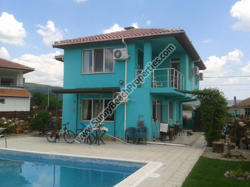 Detached fully furnished 3bedroom/2bathroom villa with private pool for sale in Orizare, 13 km from the beach and Sunny beach
