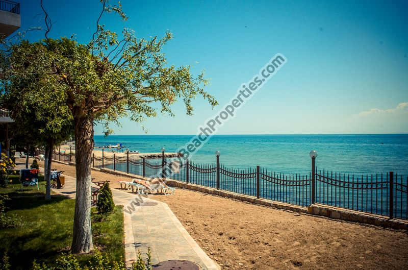 1-bedroom apartments for rent in seafront Messambria Fort on the beach in Elenite resort, Bulgaria