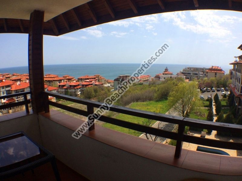Spacious sea and pool view furnished 2-bedroom/2-bathroom apartment for  sale in complex Etera III 200m. from white sandy beach in Sveti vlas Bulgaria