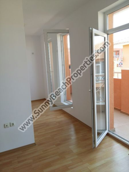 Mountain view 1-bedroom apartment for sale in Sunny day 6 in the suburbs of Sunny beach, Bulgaria