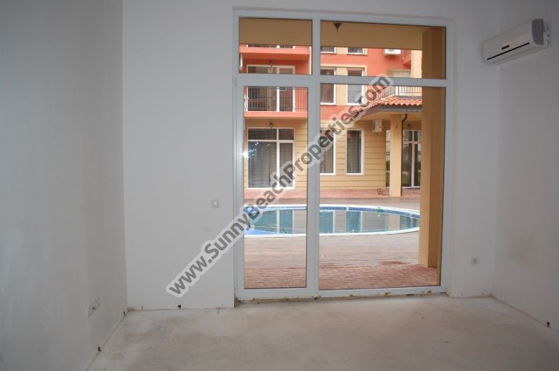 Pool view Studio apartment for sale in Sunny View Central 400m. from the beach in Sunny beach
