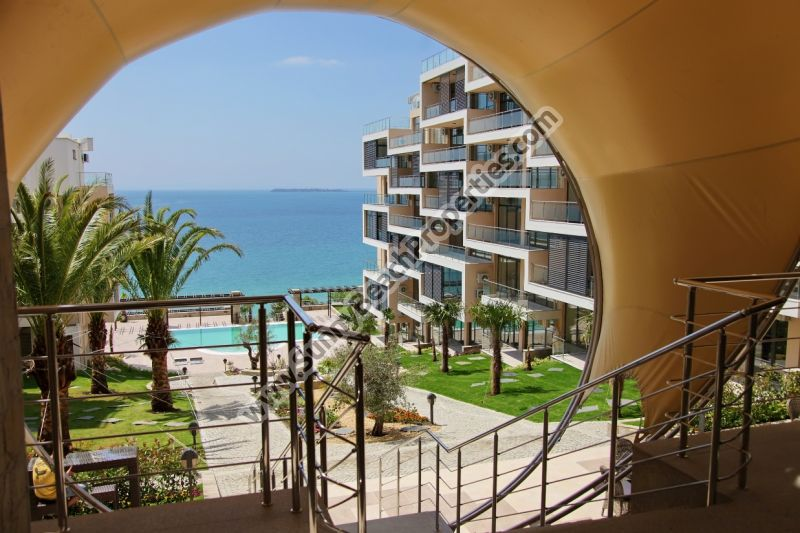 Gorgeous sea view luxury studio apartments for rent in Dolche Delux, 100m. from the beach in Saint Vlas /Sveti Vlas/ Bulgaria