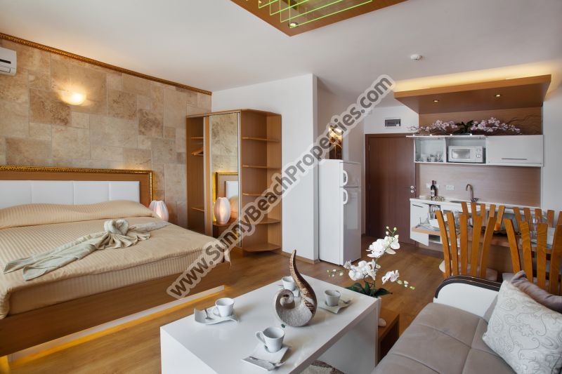 Luxury furnished Studio de lux in Sweet Homes 2, tranquil area in the central part of Sunny beach, Bulgaria