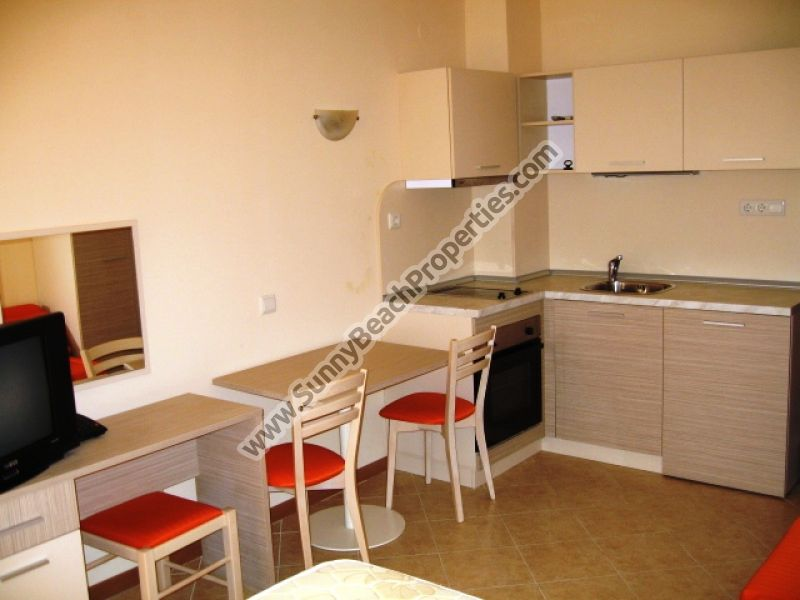 Studio apartments for rent in 4**** complex Royal Sun, 300m from the beach in Sunny beach, Bulgaria